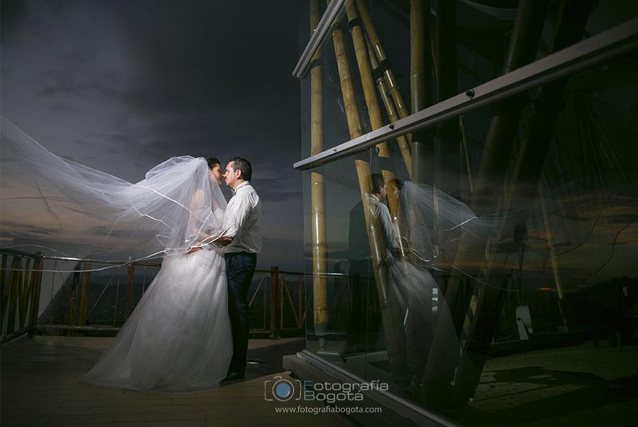 fotografia-bogota-empresas-de-fotografia-en-colombia-fotografias-de-bodas-bahia-la-calera-fotografias-creativas-bodas-michael-pineda