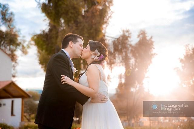 fotografias de bodas beso romantico fotos de matrimonios diferentes creativas fotografos de bodas
