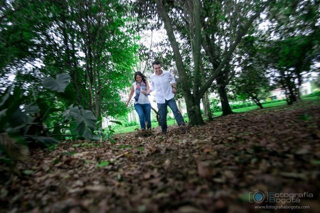 Fotografia para parejas jardin botanico pre boda fotos de for Jardin botanico bogota nocturno 2016