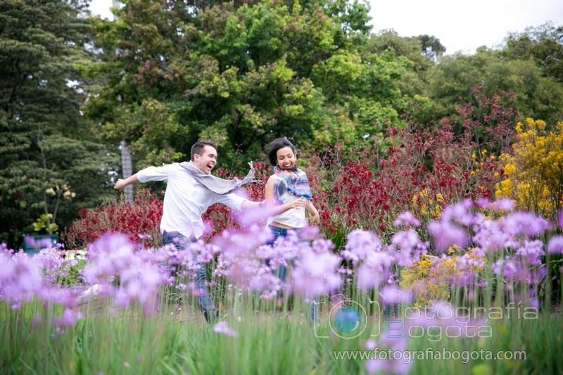 Jardin botanico fotos de parejas fotografias de novios for Jardin botanico bogota nocturno 2016